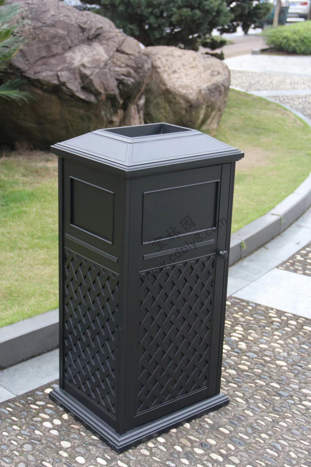 BB1-058全钢单桶垃圾桶